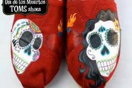Make your own Dia de los Muertos #TOMS shoes