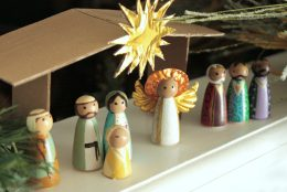 DIY: Christmas Nativity Peg Dolls
