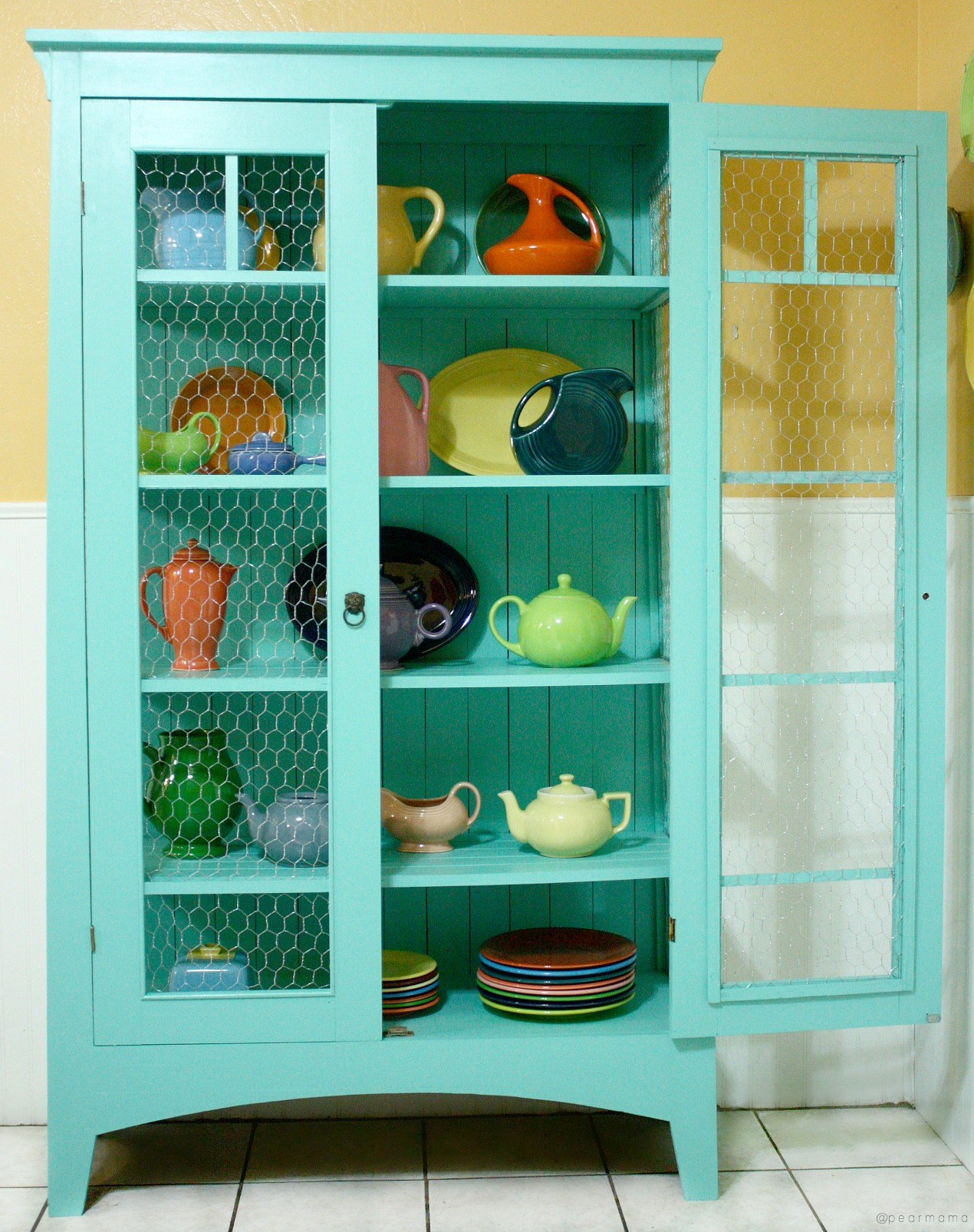 painted-cabinet-sherwin-williams-pearmama