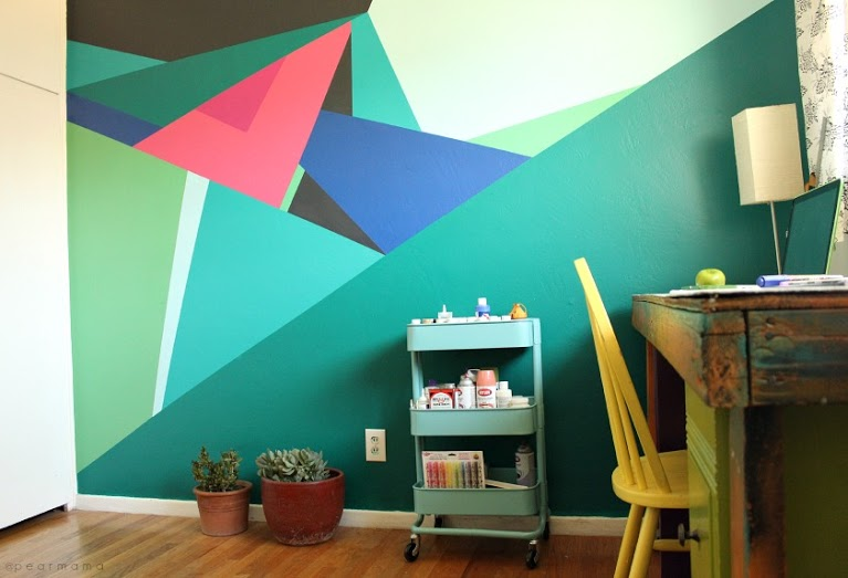 Paint this geometric wall design pearmama - Design painting of wall ...