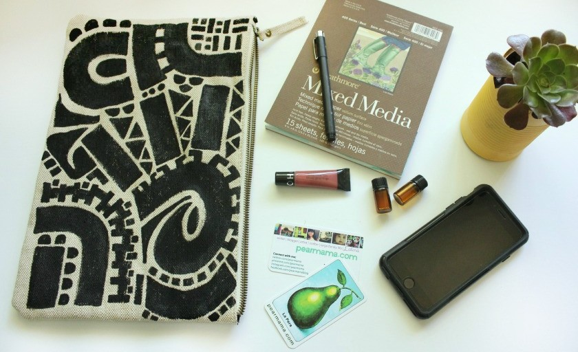 Make this! Wearable art: Hand-painted clutch bag