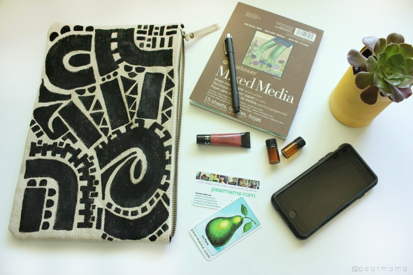 Create your own hand-painted clutch bag using an inexpensive Forever 21 canvas clutch.