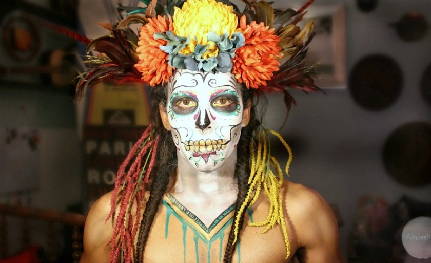 Video: How to Paint Your Face Like a Sugar Skull