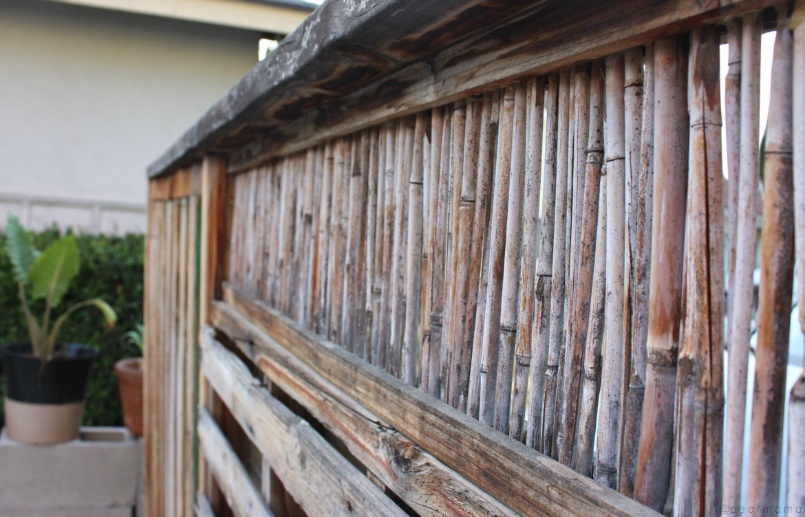 superdeck-stained-pallet-wall