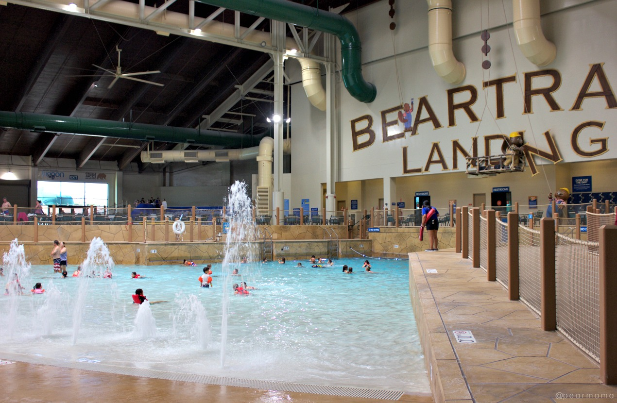 great-wolf-lodge-wave-pool