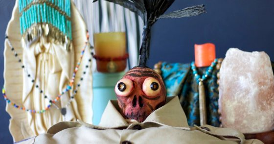 Shrunken Head Guy from the 80's movie Beetlejuice? I've been a fan! Make this for Halloween: a sweet potato skull & Cacique Manchego cheese for eyeballs.